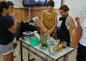משתתפים סדנת בישול מחנה אימונים כדורסל נשים