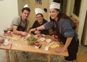 חוגגים יום הולדת בסדנת בישול משפחתית