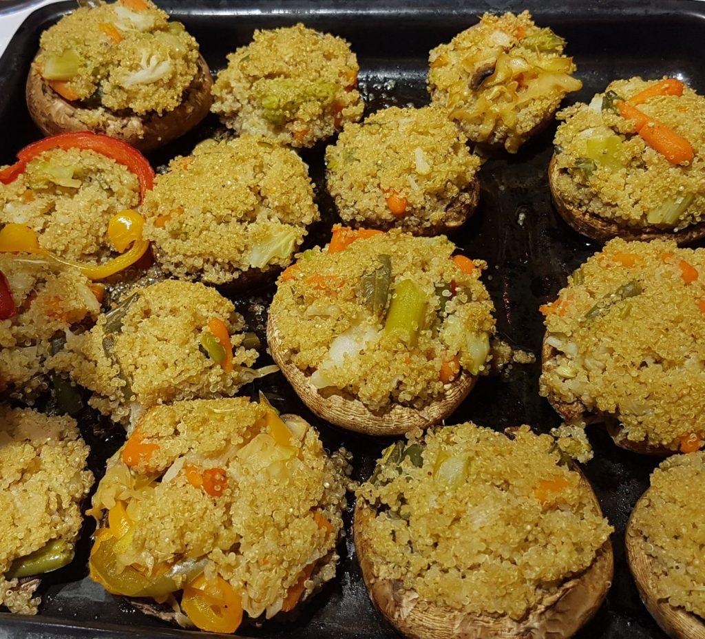 פטריות פורטובלו ממולאות בתבשיל קינואה