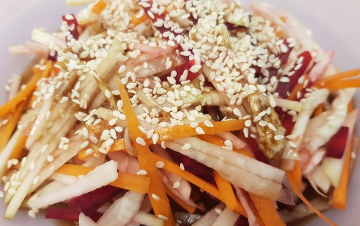 סלט ירקות שורש ברוטב אסייתי